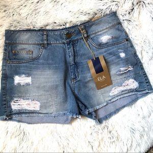 NWT Ela distressed jean shorts size 10